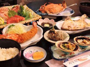 *<夕食一例>漁師町ならではのこだわりの食材をたっぷり!