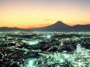 神奈川を一望!夕焼けと富士山をバックに(写真はイメージです。実際の眺望と異なる場合がございます。)