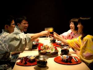 気の合う仲間とワイワイ乾杯~♪美味しいお酒と料理で楽しく会話も弾みます!