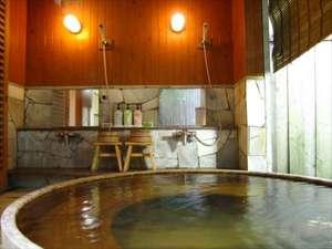 【二人静(ふたりしずか)】は樽桶の貸切風呂です