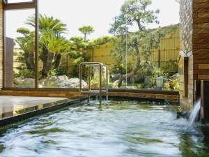 リニューアルされた大浴場では、お庭が楽しめるようになりました!