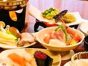 【夕食一例:夏】お寿司、天ぷら、お造り、たこしゃぶ等利尻家庭料理です。内容が変わる場合があります