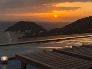露天風呂からの夕景