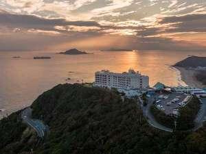 伊良湖ビューホテルの幻想的な夕景