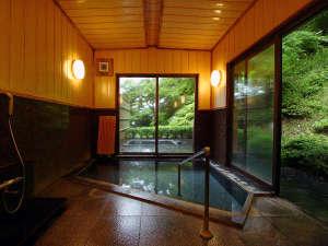 【源泉浴場】日帰り入浴も人気♪四季の自然がリラックス効果をUP