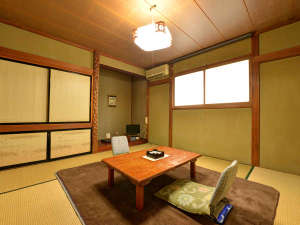 *和室8畳/静かな雰囲気の中でゆっくりくつろいでいただけます。