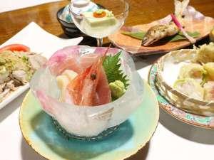 *夕食一例/氷の器に入ったお刺身は見た目も味も◎