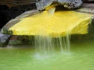 石庭露天風呂の源泉かけ流し(加水)