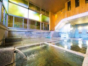 人吉温泉の始まりを築いた 【元祖のお湯処】。3つの源泉をめぐる「湯めぐり」もお愉しみいただけます