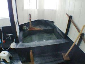 ・浴場は広くないため、譲り合いの上ご利用ください