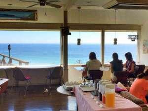 パノラマで白浜を眺めながら御朝食を!