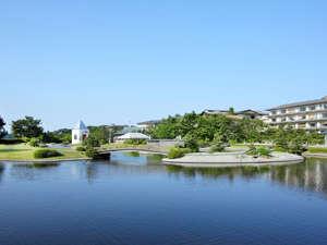 散策も楽しめる7000坪の水上庭園