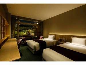 【禁煙】和ツインルーム(4階 夜)客室の一例写真です(写真の部屋:415号室)