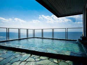 【展望露天風呂】恵山側 地上30mから一望する津軽海峡は絶景です。恵山側からは朝日風呂を楽しめます