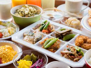 *【朝食バイキング】ご朝食は6:00~9:00の間で1F食事処にてご提供しております。
