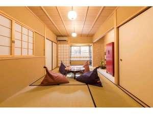 京都一棟貸し町屋旅館「華・洛嵐居」