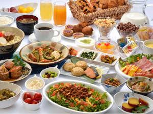 和洋食の朝食バイキング♪