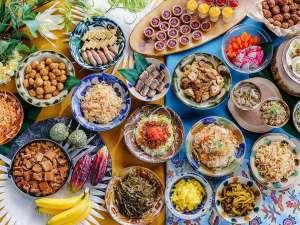 地元沖縄料理もたくさん取り揃えた朝食ビュッフェ♪
