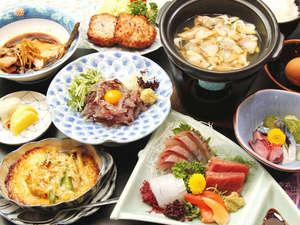ご夕食の一例。当館自慢の【漁師めし】を含めたメニューです!