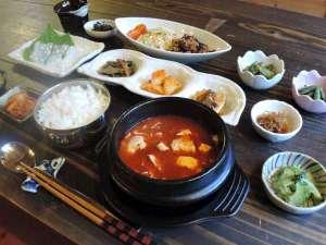 *【夕食一例】韓国出身で栄養士の女将が作る料理