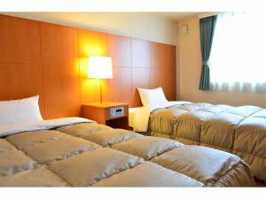 ≪ツインルーム≫120cm幅のベッドが2台の広々とした作りです。
