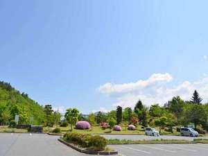 *森の緑や澄んだ空気にふれ、大切な時間をお過ごしいただけます。