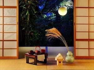 【観月茶会】9/10~11/6まで加賀伝統工芸の金沢金箔で化粧したランプを月に見立てて愛でるお茶会を実施