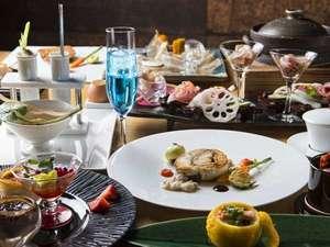 和食とフレンチを融合した、贅沢なコース(一例)