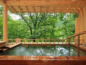 露天風呂◆かわみの湯◆川のせせらぎを聞きながら心地よい時間を…