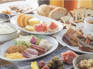 【朝食】AM6時半~10時半(10時LO)和洋バイキング 料金:大人1000円 小学生:500円 未就学:無料