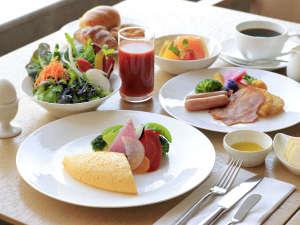 早朝5:00~10:00までご利用いただける和洋朝食ブッフェです。