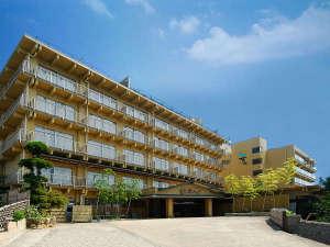 天空海遊の宿末広は西浦温泉の一番高台に位置しており、三河湾を一望できます。