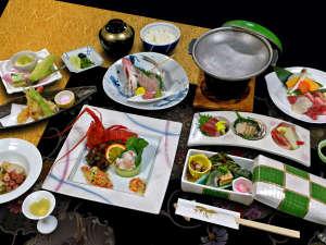 新鮮な魚介、ジューシーな肉などを様々な料理でご堪能頂く料理人渾身の《創作懐石料理》 ※写真はイメージ
