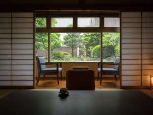 【客室】ゆったりのんびり10畳の和室でほっこりと☆