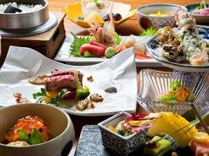 季節の「松庵会席」。新鮮魚介のお造りや揚げたてサクサクの天麩羅をお楽しみください。