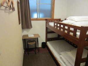 全室2段ベッド仕様の個室となります