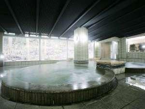 大浴場 土湯温泉は、高温保湿効果に優れ美肌の湯と言われています。