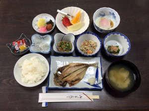 *【朝食一例】バランスの取れた和朝食をご用意いたします。