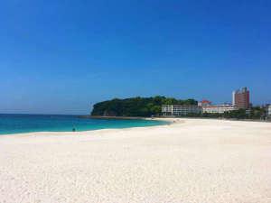 白い砂の白良浜