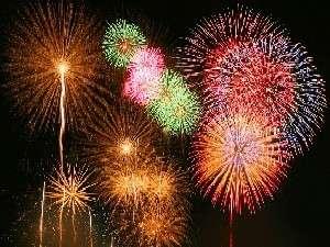 毎年満席必至の花火クルーズ!日本一の湖びわ湖の湖上に広がる花火は早めの予約でお得に観賞!