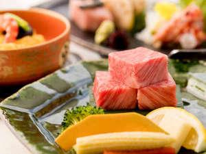 厳選した神戸牛の豊潤な旨味をぜひご堪能くださいませ。