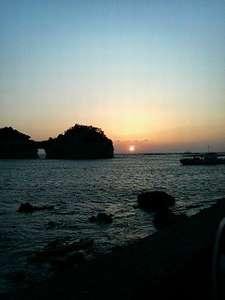 当館から車で数分・・白浜名所の円月島