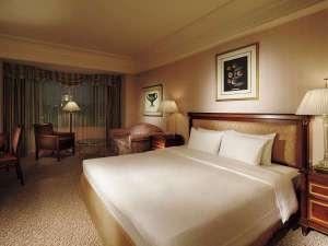 32~38平米のダブルはベッド幅180cm。