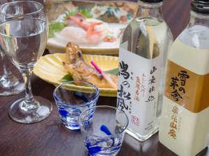 *【夕食一例】味わいの異なる地酒。飲み比べもおすすめです。