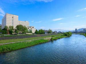 豊平川からの外観