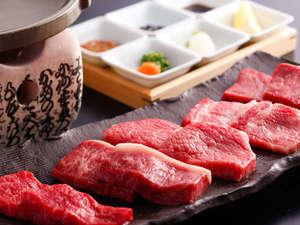 【緑亭】最上級の飛騨牛を希少部位含めて食べ比べてみてください。(写真は2人前)
