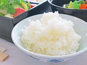 *【朝食一例】朝の元気の源!炊き立ての白ご飯をどうぞ♪