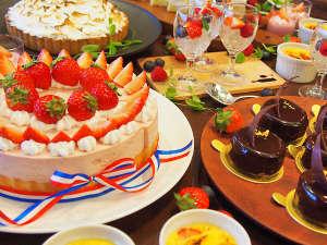 バレンタインをテーマにしたチョコやベリーのスイーツが90分食べ放題!(※写真はイメージです。)