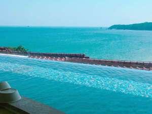洋風大浴場「ウエイブ」です。1枚ガラスの向こうは多々戸浜 インフィニティ風呂ではありません!!