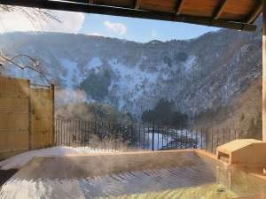 露天風呂付客室(和室)からの冬景色